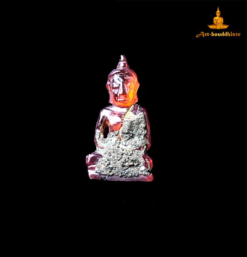 amulette de bouddha en pierre sculpté
